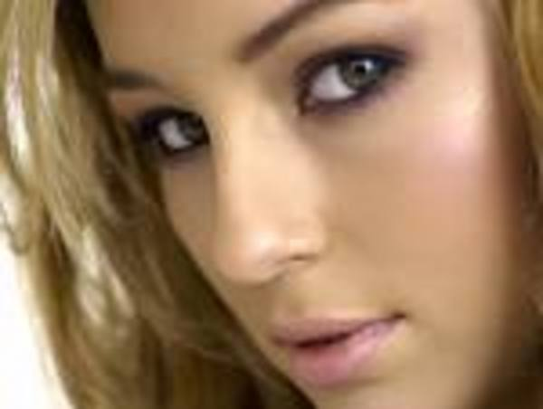 Keeley Hazell s Place 4782430a2d5fe Busty Hentai woman gets her