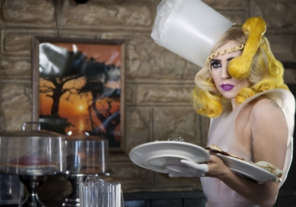Lady Gaga - New Telephone Video ft. Beyonce