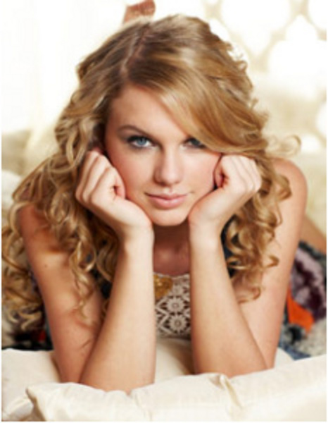 """Taylor Swift thought she was hilarious, responding, """"death by Demi Lovato."""