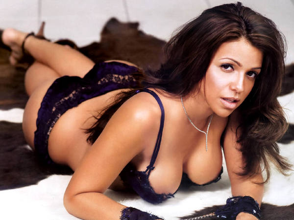 Vida Guerra appeared in Burger