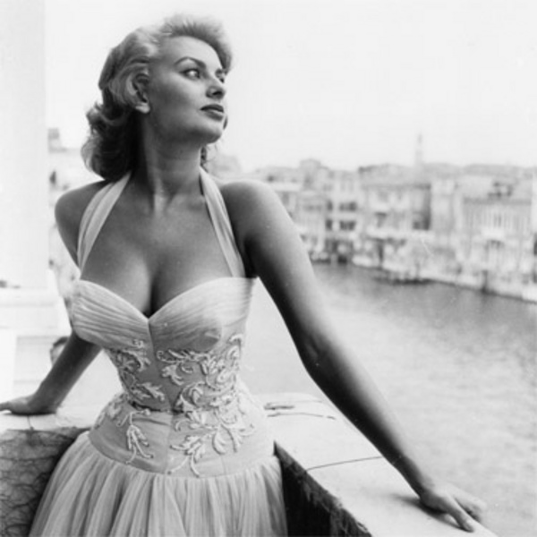 sophia loren venice 195 48d5f131db947 Makeup Forever Rouge Artist Intense in #22 (matte nude. extremely nude.)